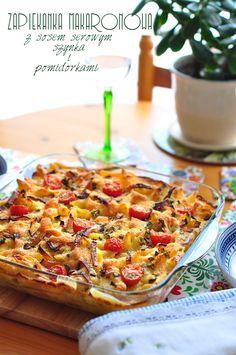 prosta i szybka zapiekanka makaronowa z serowym sosem, szynką i pomidorkami koktajlowymi
