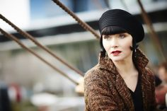 Miss Fisher's Murder Mysteries: Wish I could pull off that beret