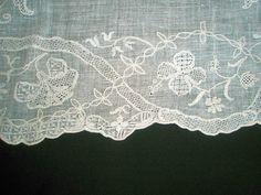 1775 fine muslin apron, Dresden work, English - antique-textiles.net
