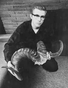 A high school loser, Robert (Bob the Baker) Hansen tortured and murdered as many as 21 women in Alaska in the 1970s.