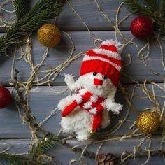 Этот зайка мне очень нравится,  он прям такой новогодний новогодний и маленький,  около 10 см. Карманный друг к Новому Году!  Продается Цена 600 руб + почта Sale Price 10$ + shipping #зайчик #заяц #зайка #игрушка #детям #амигуруми #amigurumi #вязание #knitting #белый #шапка #шарф #игрушка #toy #toys #gift #подарок #handmade #ручнаяработа #рукоделие #hobby #хобби #новыйгод #праздник #рождество #christmas #newyear #bunny #rabbit #teddybunny