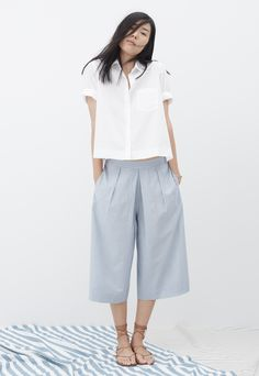 madewell morningside button-up shirt worn with the pavilion culotte pants + boardwalk lace-up sandals.