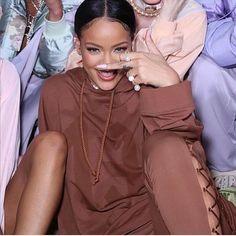 Wanna see more Rihanna pins? @GabbyM