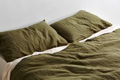 IN BED x Triibe moss linen