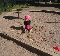 Isivuosi: Isivuoden tutkimusmatka leikkipuistoihin. Pallopuisto