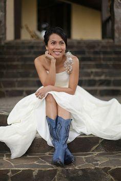 Blue & Ivory bride