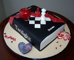 twilight book cake