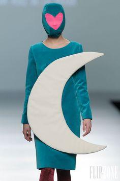 Agatha Ruiz de la Prada - Ready-to-Wear - Fall-winter 2013-2014 - http://www.flip-zone.net/fashion/ready-to-wear/independant-designers/agatha-ruiz-de-la-prada