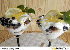 Citronový krém z mascarpone, borůvkami a s piškoty