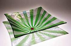 UR Here Bowl With Jade Green Arrows: Kathleen Ash: from Jolene Juhl Fused Glass Plates, Fused Glass Art, Glass Fusing Projects, Diy Bird Bath, Arrow Art, Stained Glass Designs, Glass Wall Art, Glass Texture, Flower Art