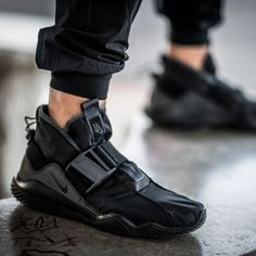 Sneakers Shoes For Men fashion shoes nike Sneakers Mode, Sneakers Fashion, Fashion Shoes, Mens Fashion, Men Sneakers, Black Shoes Sneakers, Fashion 2018, Me Too Shoes, Women's Shoes