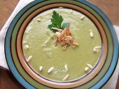 Sopa crema de calabacín, guisantes y nabo. Ver la receta http://www.mis-recetas.org/recetas/show/41541-sopa-crema-de-calabacin-guisantes-y-nabo