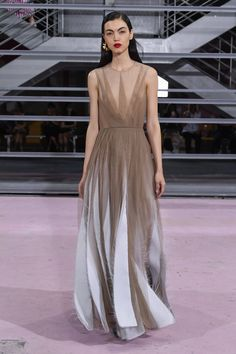 c44ee561d Maison Rabih Kayrouz Spring 2019 Ready-to-Wear Fashion Show Collection: See  the