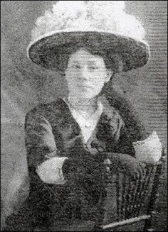 *MARY ANNE PERREAULT ~ was a personal maid to Mrs. Charles Hays, a wealthy woman who's husband was the president of a railroad. They boarded the Titanic for their trip to America. The night of the sinking, she and Mrs. Hays were put into lifeboat Titanic Ship, Rms Titanic, Titanic Photos, Titanic Survivors, Titanic Artifacts, Titanic History, A Night To Remember, Modern History, Historical Photos