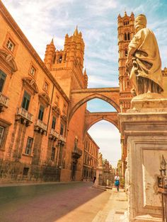 From the food to the weather, the people, the beaches, the architecture, the cost of living and safety - find out what living in Palermo is really like! Verona Italy, Puglia Italy, Venice Italy, Places To Travel, Places To See, Travel Destinations, Palermo Italy, Places In Italy, Lake Garda