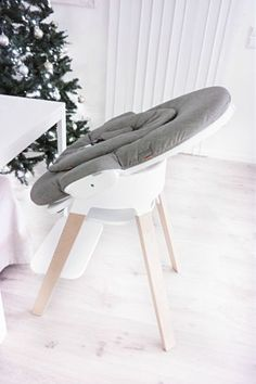 Bring Baby to the Family Table from Day 1 with Stokke Steps ! Baby Momma, My Baby Girl, Stokke Steps, Baby Bouncer, Baby Gadgets, Baby Prams, Baby Planning, Baby Must Haves, Everything Baby