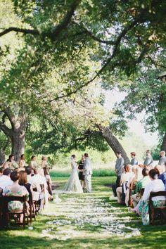 A local wedding industry worker ties the knot! Photographer: Apryl Ann Photography #weddings #ATX #Austin #Texas #wedding #AWDS