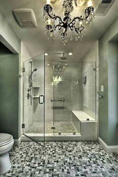Master bathroom - looks like I could find a place to shave my legs