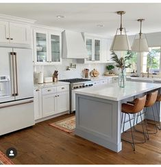 Look at this significant photo in order to take a look at the provided strategies and information on Classy Kitchen Decor Blue Kitchen Island, Blue Kitchen Cabinets, Kitchen Redo, New Kitchen, Kitchen Remodel, White Cabinets, Kitchen Counters, Kitchen Islands, Kitchen Shelves