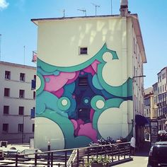 The coolest building in the south of France.... well maybe. Its my fav - #graffiti #art #paint #streetart #building #france #travel #bubbles #colours