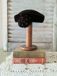 Vintage 60s Women s Brown Pill Box Hat Beaded 1960s Bernard Workman Aurore  Made in France Tocados 5d1abc14d22