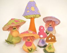 Bee Life USA epattern by ilmondodellenuvole on Etsy Troll Dolls, Fairy Dolls, Felt Crafts, Diy And Crafts, Plant Monster, Felt Mushroom, Plant Zombie, Sewing Projects, Projects To Try