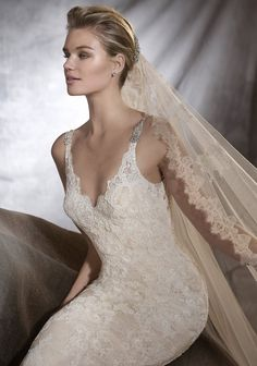d89fbc955238 Pronovias Osera Wedding Dress is in overall good condition. Designer   Pronovias Style  Osera Colour  Beige Off White Size 10 UK Most of our weddi