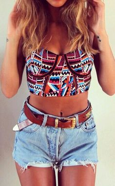 Shop from the best fashion sites and get inspiration from the latest crop tops. Fashion discovery and shopping in one place at Wheretoget. Sexy Outfits, Summer Outfits, Girl Outfits, Cute Outfits, Indie Fashion, Look Fashion, Swag Fashion, Ethnic Fashion, Pretty Shirts