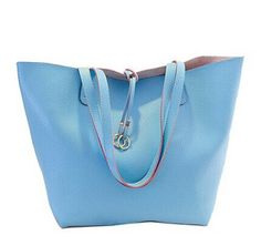 Casual Women's Shoulder Bag With PU Leather and Solid Color Design Color: PINK, PLUM, OFF-WHITE, BLACK, AZURE Category: Bags > Women's Handbags > Shoulder Bags   Handbag Type: Shoulder bag  Style: Casual  Gender: For Women  Pattern Type: Solid  Handbag Size: Medium(30-50cm)  Closure Type: Open  Interior: Interior Zipper Pocket  Occasion: Versatile  Main Material: PU  Hardness: Soft  #navybluehandbagsleather #navybluehandbags #leatherhandbags #womenhandbags #bridgat.com