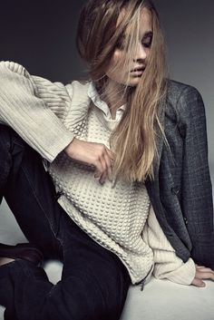 Distinctive sweater acts as accessory to pull look together (via ZsaZsa Bellagio)