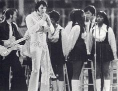 Elvis in concert in march 1 1970 at the Houston Astrodome. Elvis Presley Graceland, Elvis Presley Photos, Rock And Roll, Young Elvis, Elvis In Concert, John Lennon Beatles, You're Hot, Buddy Holly, Lisa Marie Presley