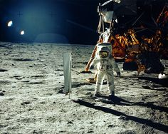 Mensageiro Sideral: russos querem investigar chegada do homem à #Lua. Você também tem dúvidas de que os americanos realmente estiveram lá em 1969?