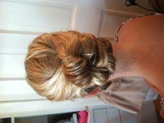 Bridal bun, Bridal updo , wedding hairstyles , www.jenniekaybeauty.com