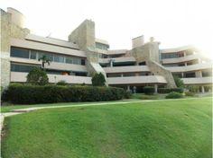 Apartamento en Venta en Valencia, CodFLEX 12-776 Ybra www.RENTAHOUSEA1.com  Altos de Guataparo, Valencia Precio: 86,000,000 Bsf