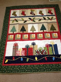 Christmas row quilt   My sisters