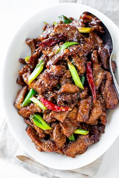 MUST TRY_Perfectly sweet and savory, this Mongolia. : MUST TRY_Perfectly sweet and savory, this Mongolian beef is generous on the flavor, and cooks up quickly for a delicious better-than-restaurant quality meal at home! Meat Recipes, Asian Recipes, Chicken Recipes, Dinner Recipes, Cooking Recipes, Healthy Recipes, Quick Beef Recipes, Cooking Videos, Healthy Eating Tips