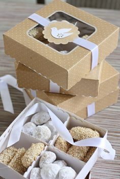 Cookie Boxes Assembled Beige and White I make these every year - huge hit with everyone, this is a very good idea :) Would be great to take this when visiting a friend or family