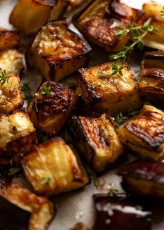 Close up of Oven Roasted Eggplant with caramelised edges Oven Roasted Eggplant, Cooking Eggplant, How To Roast Eggplant, Recipes With Eggplant, How To Cook Aubergine, Stuffed Eggplant Recipes, Aubergine Oven, Healthy Eggplant Recipes, Eggplant Side Dishes