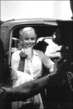 Marilyn Enjoys a Cup of Coffee on the set of 'The Misfits'