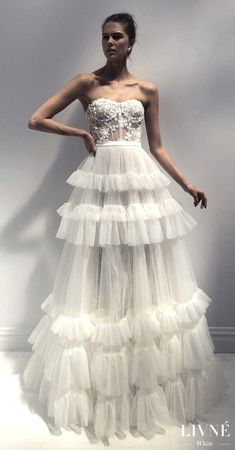White wedding dress. Brides want to find themselves finding the ideal wedding, but for this they need the best wedding dress, with the bridesmaid's dresses complimenting the brides-to-be dress. Here are a number of suggestions on wedding dresses.