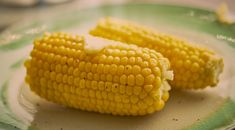 Recette : Épis de maïs au beurre à la mijoteuse Barbecue, Food Porn, Vegetables, Mj, Casseroles, Boiled Corn, Tasty Food Recipes, Relish Recipes, Sticky Buns