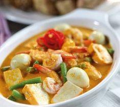 Resep Membuat Gulai Tahu Udang Enak Indonesian Food, Indonesian Recipes, Laksa, World Recipes, Seafood Dishes, Tofu, Curry, Easy Meals, Food And Drink