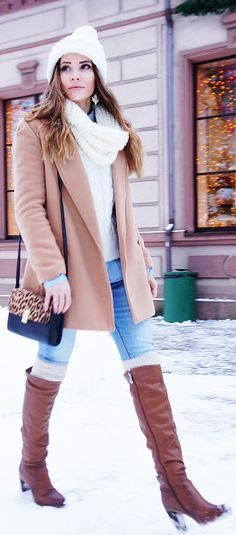 Winter Outfit 2015: Marybell is wearing a camel coat from Sheinside, hat from Ostin, jeans from Befree, stockings from H & M, and the bag is form Dorothy Perkins