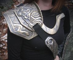 cosplay how to close bracers