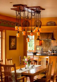Gamble on Design: Old California Lighting Co. fashioned the dining-room chandelier after an original in Pasadena's Duncan–Irwin House. Craftsman Dining Room, Craftsman Interior, Craftsman Style, Craftsman Homes, Craftsman Kitchen, California Bungalow, California Style, California Fashion, Arts And Crafts House