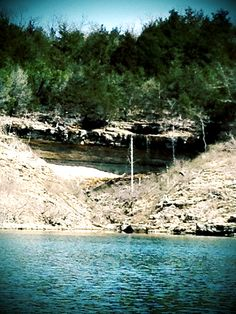 Bull Shoals, Arkansas. Bull Shoals Lake is an artificial lake or reservoir in the Ozark Mountains of northern Arkansas and southern Missouri. It has hundreds of miles of lake arms and coves perfect for boating, water sports, swimming, and fishing. (V)