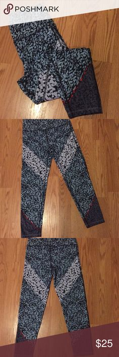 LOFT- Lou and Grey Workout Pants-Size Small Lou & Grey LOFT workout leggings. Super soft. Capri length. Perfect for a day at the gym or running errands. Lou & Grey Pants Capris