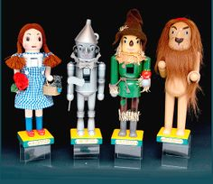 nutcrackers for christmas | Pack of 8 The Wizard of Oz Decorative Christmas Nutcrackers 14""