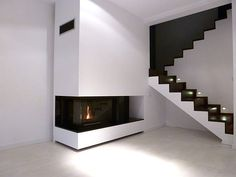 Prosty kominek nowoczesny. Modern fireplace. #KominekNowoczesny Smart Home, Home Interior Design, Tiny House, Stairs, House Design, Living Room, Wall, Home Decor, Google