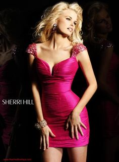 #SherriHill #Dresses 2945 at Peaches Boutique #homecoming